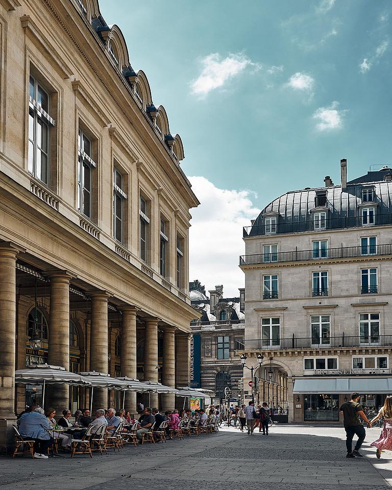 La terrasse du café Le Nemours