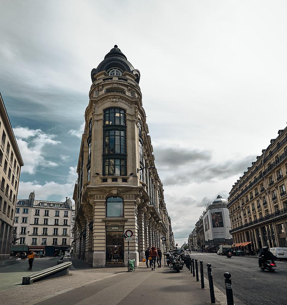 Angle d'immeuble rue Réaumur à Paris
