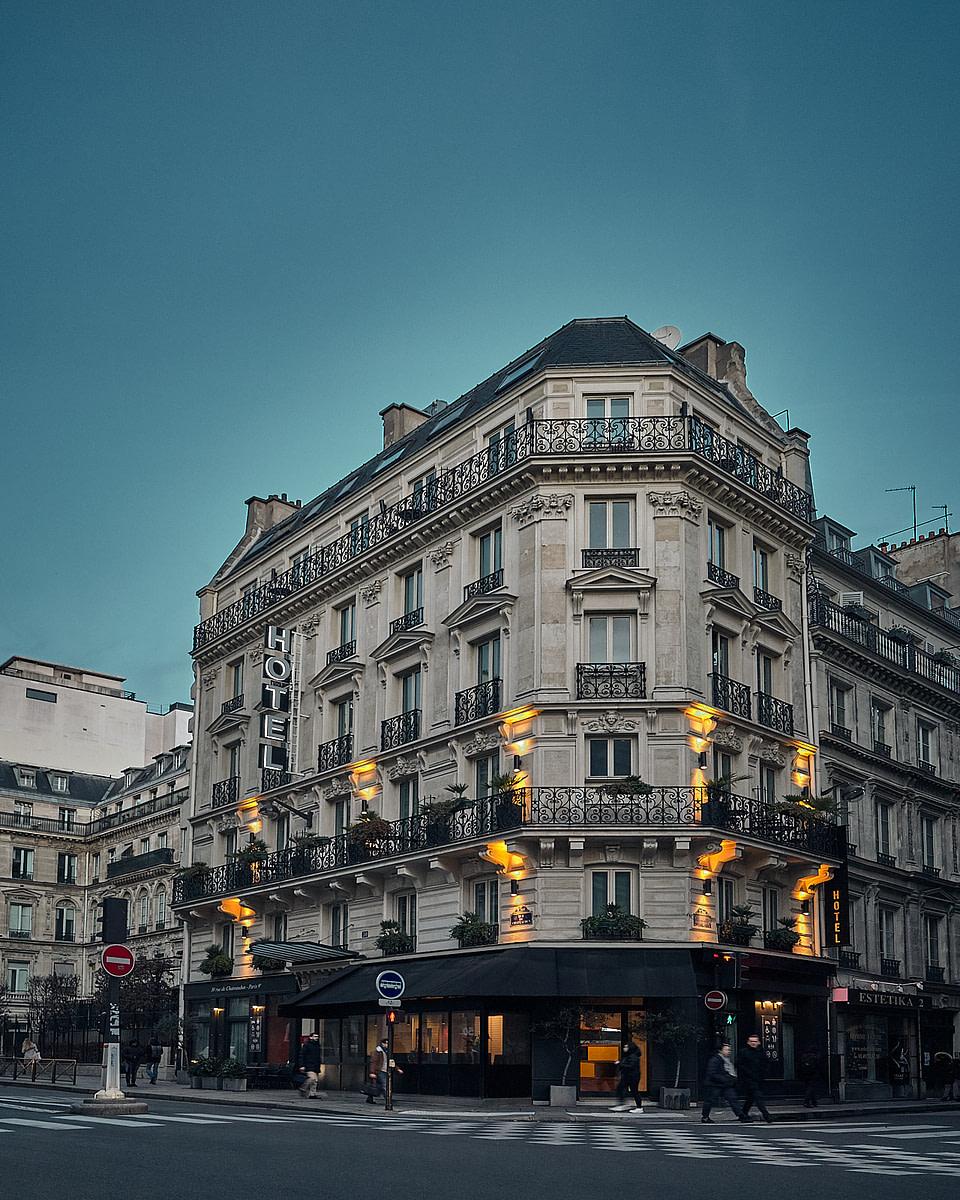 La façade de l'Hotel Chateaudun Opéra à Paris