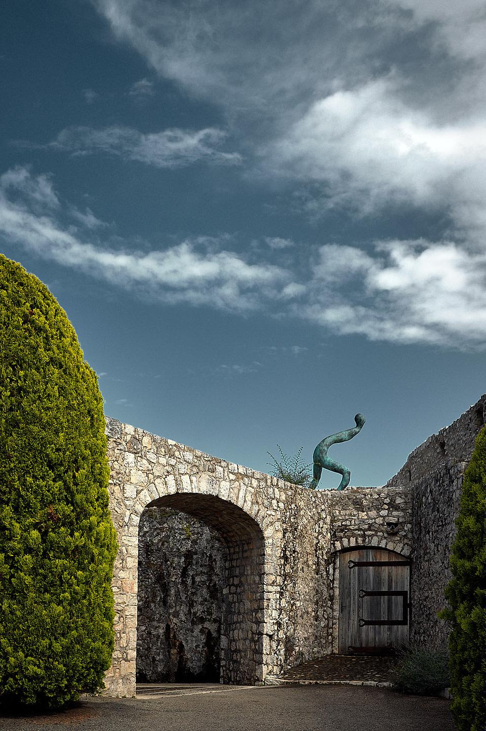 Du Livre du Matin - Henk Visch à la Porte de Nice sur les remparts de Saint Paul de Vence