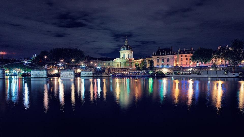 L' Institut de France de nuit à Paris, Jul 2020 - photo : © Laurent Delisle - capturedinstant.com