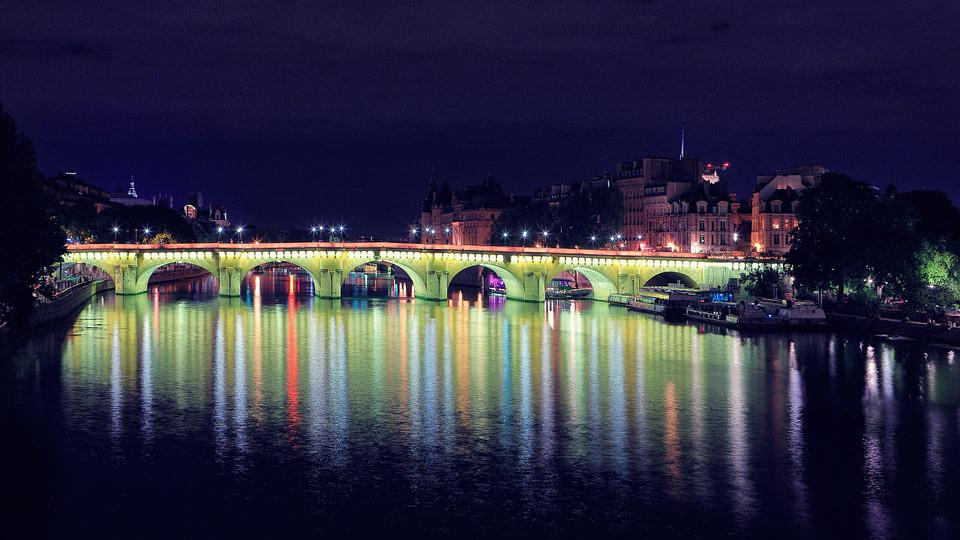 Le Pont Neuf de nuit à Paris, Jul 2020 - photo : © Laurent Delisle - capturedinstant.com