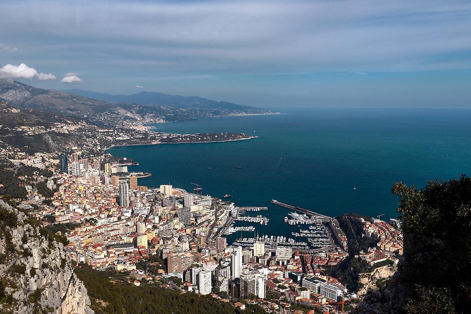 Panorama sur la Principauté de Monaco depuis la Tete de Chien