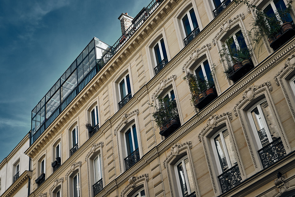 Façade d'immeuble dans le Quartier Saint Georges à Paris