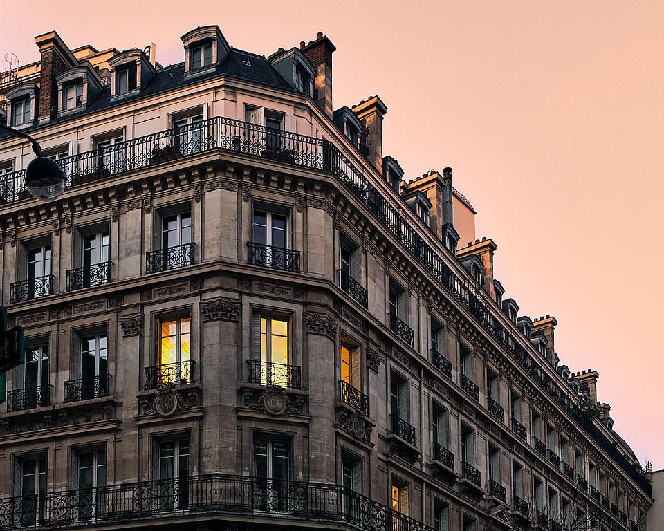 Façade typique d'immeuble parisien