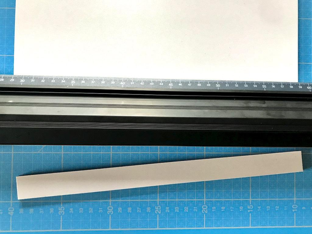 découpe nette réalisée sur un panneau de Panexpan